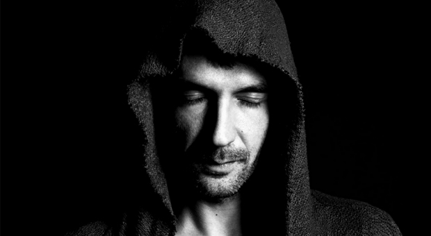 MIKEL GIL PRESENTA 'WRONG SEQUENCE EP' EN SU SELLO LONELY OWL RECORDS
