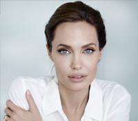 Angelina Jolie afirma haber sufrido una parálisis facial tras el divorcio