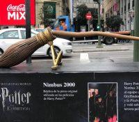 Rompen la escoba de Harry Potter tras estar expuesta tres días en las calles de Madrid
