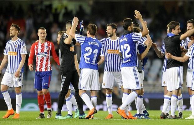 El Atlético de Madrid tira la Liga en Anoeta