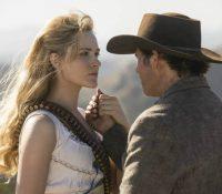 """Más secretos e inquietudes en el estreno de la segunda temporada de """"Westworld"""""""