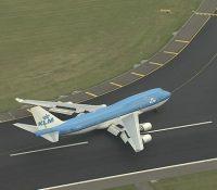 Una brasileña se cuela en la pista de despegue para detener el avión tras llegar tarde