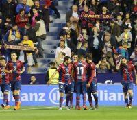 El Levante rompe el récord del Barcelona en un festival de goles