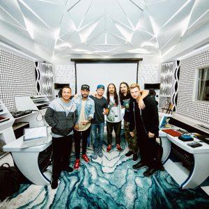 Steve Aoki lanza su nuevo single junto con Backstreet boys