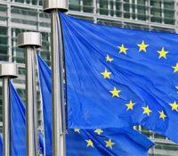 La Unión Europea pide a las plataformas digitales que bajen la calidad para no colapsar Internet