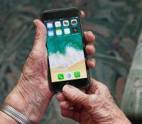 Un juez obliga a una abuela a eliminar las fotos de sus nietos de las redes sociales