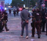 Un reportero de la CNN es arrestado en directo mientras cubría las protestas en Minneapolis