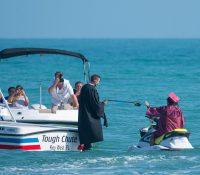Una graduación sobre el mar con motos de agua en Florida