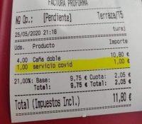 """Polémica en las redes porque un restaurante en Tenerife cobra un suplemento por """"servicio de covid"""""""