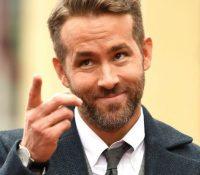 Ryan Reynolds ofrece un rescate de 5.000 dólares para un oso de peluche