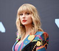 Taylor Swift regraba de nuevo sus canciones para adquirir los derechos