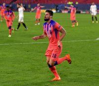 Giroud y el Chelsea devoran al Sevilla más irregular