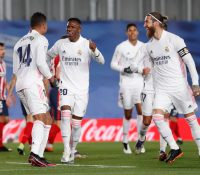 El Real Madrid da un golpe sobre la mesa en el derbi