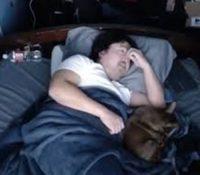 Un Youtuber gana más de 16.000 dólares desde su cama
