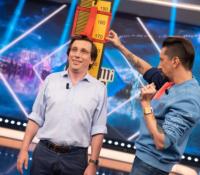Martínez-Almeida cubre de halagos a Belén Esteban en 'El Hormiguero'