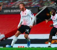 El Milan saca un valioso empate de Old Trafford