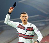 Cristiano no da crédito por un 'gol fantasma' y enloquece