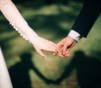 Recibe una propina de 60 euros por derramar salsa en el vestido de la suegra el día de la boda