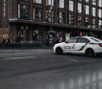 La policía reta a unos 'tiktokers' a un duelo de baile y el vídeo se vuelve viral