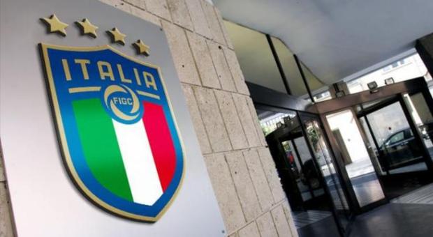 Italia se blinda ante la Superliga europea