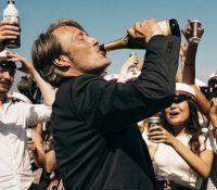 Leonardo DiCaprio protagonizará el remake de 'Otra ronda'