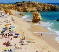 Invasión de memes y sevillanos en Twitter tras reducir las medidas en Andalucía de cara al verano