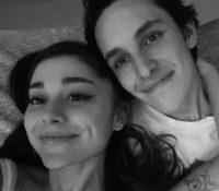 Ariana Grande y Dalton Gómez se casaron en secreto durante el fin de semana