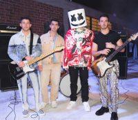 Los Jonas Brothers regresan por todo lo alto con 'Leave Before You Love Me' junto a Marshmello