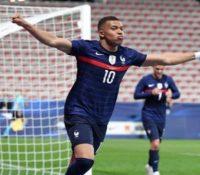 Francia arrasa en el regreso de Benzema
