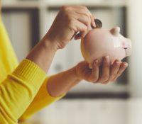 Una 'tiktoker' revela el truco definitivo para ahorrar más de 5.000 euros al año