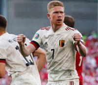 Bélgica se luce en el tributo a Eriksen
