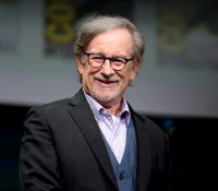 Steven Spielberg anuncia un acuerdo con Netflix tras años de críticas al streaming