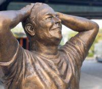 La nueva estatua de Elon Musk en Nueva York levanta burlas en redes sociales