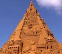 Construyen el castillo de arena más alto del mundo