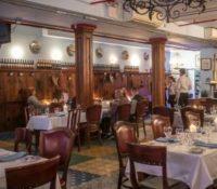 Publica una crítica hacia el camarero y la respuesta del dueño del restaurante se viraliza en Twitter