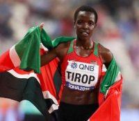 El atletismo keniata se manifiesta contra la violencia de género en el entierro de Tirop