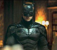 """""""The Batman"""": Robert Pattinson se enfrenta a Enigma en el nuevo tráiler"""